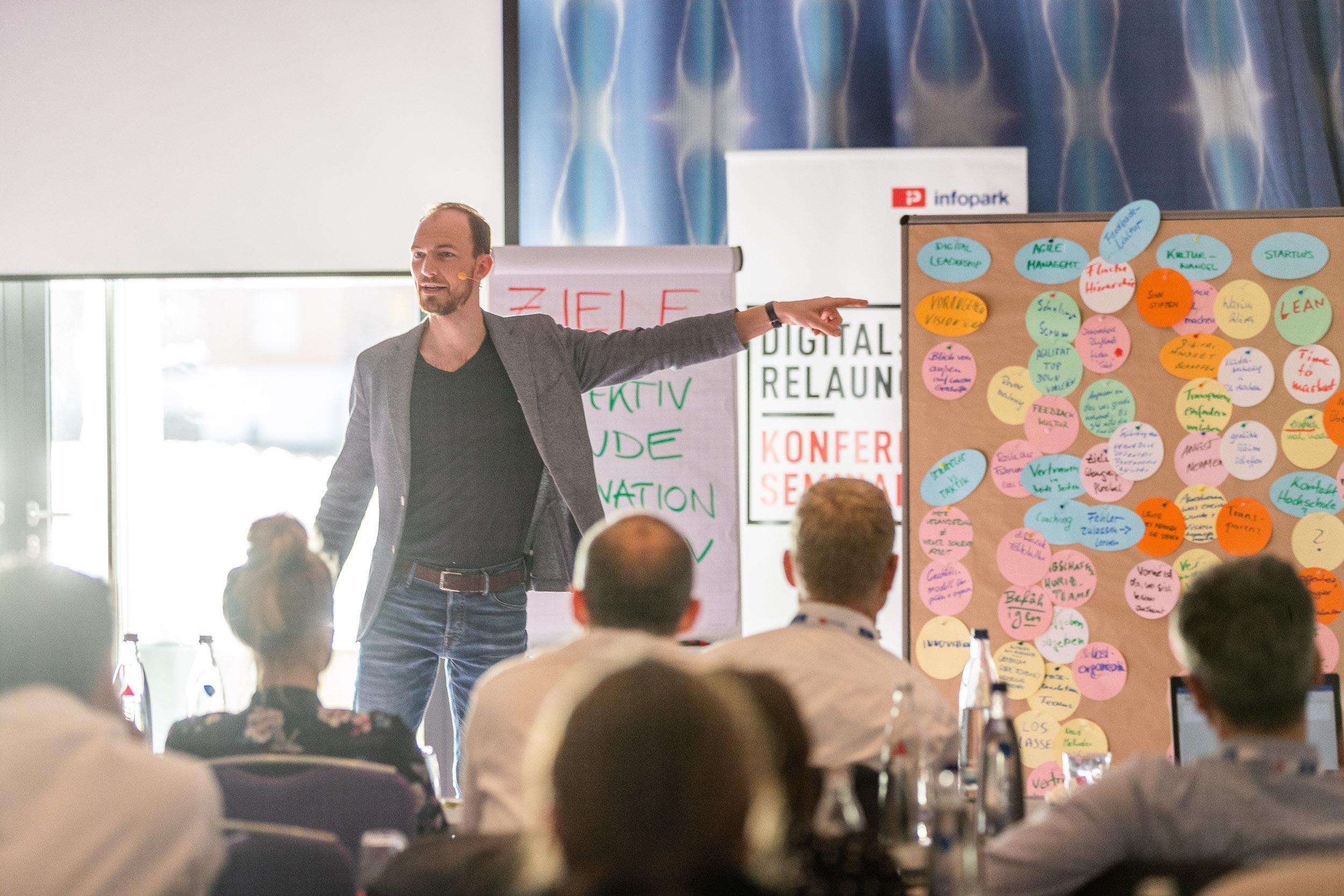 Alex T. Steffen Seminar Infopark Leadership